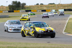Wouter Roos leads George Bezuidenhout
